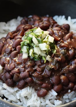 This is a delicious black bean recipe from my Brazilian/Argentinian cousin, Katia. She makes the best black beans, the recipe handed down to her from her father, another great cook. Black beans are loaded with fiber. Try this over white rice with chimichurri sauce, for wonderful fusion of flavors from Argentina and Brazil.