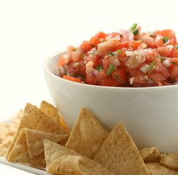 In honor of Cinco de Mayo, I made pico de gallo salsa – a fresh and healthy salsa recipe with tomatoes, peppers and onions. Goes great with chips, grilled fish, chicken and in tacos.