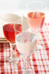 I love having a glass of wine with dinner every now and then, but when I am watching my points, I make a Wine Spritzer instead. It cuts the points and carbs in half. I prefer Pinot Grigio or a Riesling, but you can also use a Rose, Merlot or Chardonnay instead