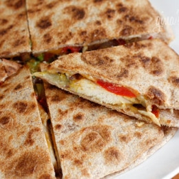 These chicken quesadillas are a meal in one! Loaded with chicken and veggies and very filling (I couldn't finish mine). I made these for dinner with my leftover avocado mango salsa but these are also great for lunch or you can even serve them as appetizers.