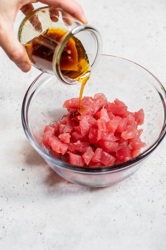 making tuna tartare