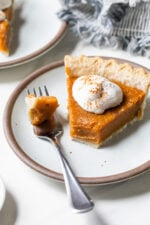 A healthy and delicious version of the classic sweet potato pie – a perfect, easy sweet potato dessert recipefor Thanksgiving!