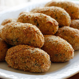 Not sure what to do with all your leftover turkey? Croquettes are a perfect way to use your leftover turkey!