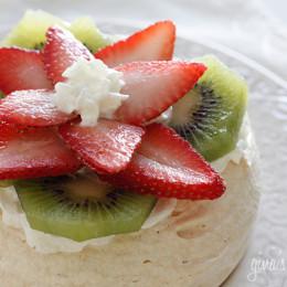 strawberry-kiwi-pavlova