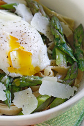 Asparagus-Poached-Eggs-over-Pasta