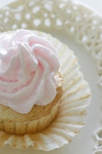 OK folks, hope you are all enjoying your Cinco De Mayo recipes, but I have not forgotten that Mother's Day in only a few short days. Why not make your Mom the sweetest, light and airy angel foods cupcake you'll ever taste!