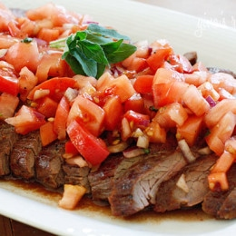 grilled-flank-steak-topped-tomato-salad