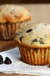 low-fat-chocolate-chip-ricotta-muffins