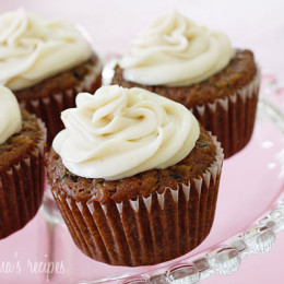 Pineapple-Zucchini-Cupcakes-with-Cream-Cheese-Frosting