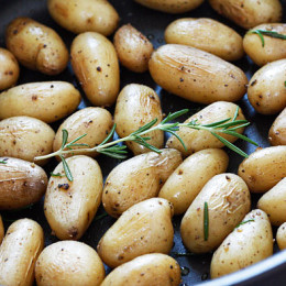 teeny-tiny-potatoes-with-rosemary