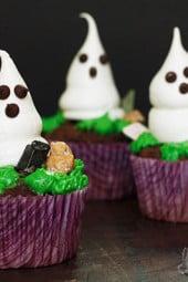 halloween-meringue-ghost-cupcakes