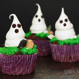 halloween-meringue-ghost-cupcakes