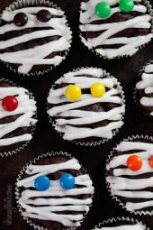 Low-Fat-Chocolate-Mummy-Cupcakes