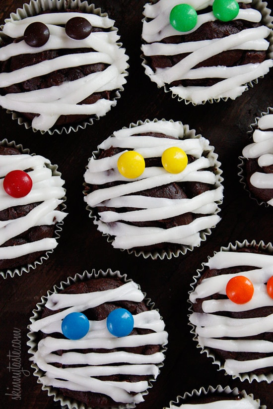 Chocolate mummy cupcakes skinnytaste - Halloween decorations for cupcakes ...