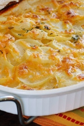 skinny-scalloped-potatoes-gratin