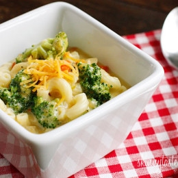 macaroni-and-cheese-soup-with-broccoli
