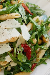 Arugula-Salad-with-Penne-Garbanzo-Beans-and-Sun-Dried-Tomatoes
