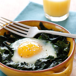 Perfect cool Spring morning to turn my oven on for this simple baked eggs breakfast with wilted baby spinach. High in vitamin A, C, Folate, Manganese and Potassium.