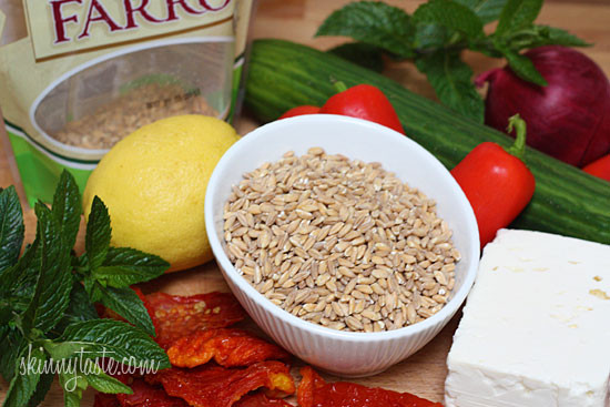 Home.fit mediterranean-farro-salad-with-feta-cucumbers-and-sun-dried-tomatoes-550x367 Farro Salad with Feta, Cucumbers and Sun Dried Tomatoes
