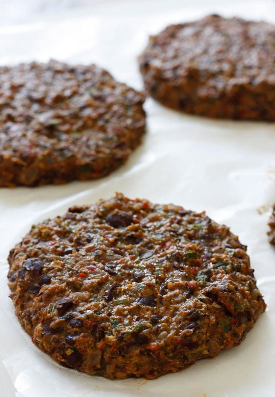 Spicy Black Bean Burgers With Chipotle Mayonnaise Skinnytaste ...