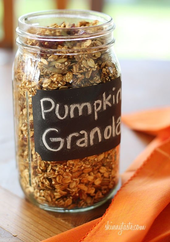 Skinny Pumpkin Granola – Homemade pumpkin granola made with oats, quinoa, maple, pumpkin spice, cinnamon, pecans, pepitas and dried cranberries.