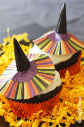 Bewitching-Skinny-Chocolate-Cupcakes