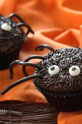 skinny-spooky-spider-cupcakes