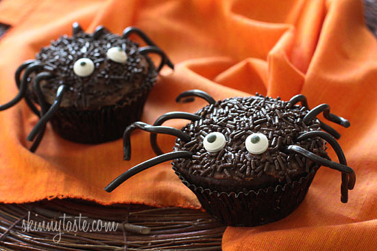 These Spooky Spider Halloween Cupcakes are healthy and lighter on the waistline, and are sure to be all the fright at your next Halloween party.