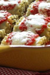 Kale-Mushroom-Lasagna-Rolls