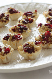 Skinny-Baked-Brie-Phyllo-Cups-with-Craisins-and-Walnuts