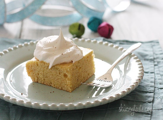 This skinny eggnog cake is so delicious. Simply combine a yellow box cake mix with nutmeg, Chobani, water, egg whites and you'll have a perfect holiday dessert!