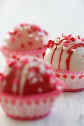 valentines-day-cake-balls