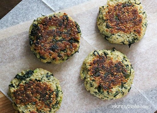 These quinoa patties are delicious, vegetarian and packed with protein and nutrients!