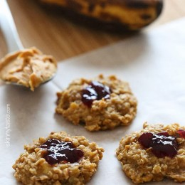 Made with just just 4 ingredients – bananas, oats, peanut butter and jelly, these cookies are meant to eat warm right out of the oven for a fun spin on my 3-ingredient healthy cookie recipe.