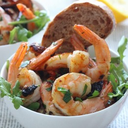 Sauteed shrimp with garlic, dried chilies and lemon juice – it's spicy, garlicky, acidic and sooooo good! You can serve this as an appetizer or have this for dinner over some baby greens with a crusty whole wheat baguette. And the best part about this dish – it's ready in under 15 minutes.