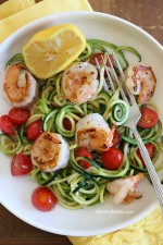 Spicy shrimp with garlic, zucchini noodles (zoodles), tomatoes and a squeeze of lemon – I just inhaled this EASY low-carb, gluten-free, paleo-friendly dish for lunch which took less than 20 minutes to make, start to finish and it was DELICIOUS!