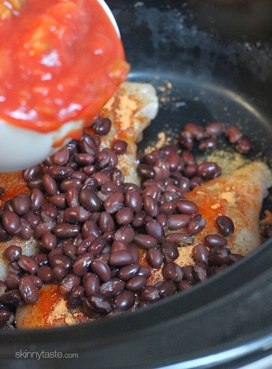 Easy Crock Pot Chicken and Black Bean Taco Salad | Skinnytaste