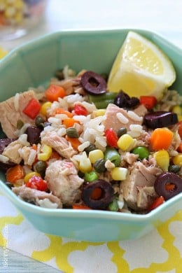 Italian tuna and brown rice salad is wonderful, easy lunch using basic pantry items such as tuna, brown rice, capers and good quality chopped olives plus some frozen mixed vegetables and fresh lemon juice.