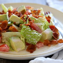 I LOVE bacon – who doesn't? And I love a BLT sandwich. This salad, featured in The Skinnytaste Cookbook has all the flavors I love in the sandwich without the extra calories you get from eating it on bread! Plus it's easy – only FIVE ingredients not counting S + P!