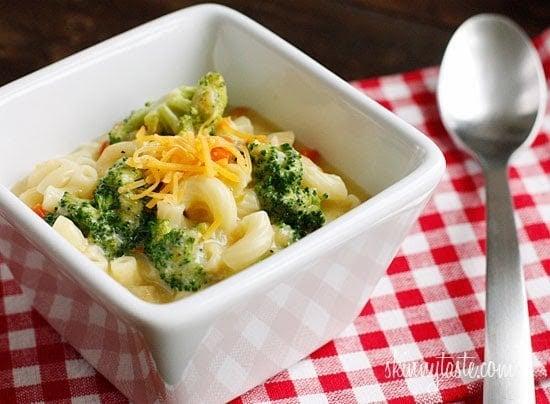 Skinny Macaroni and Cheese Soup with Broccoli