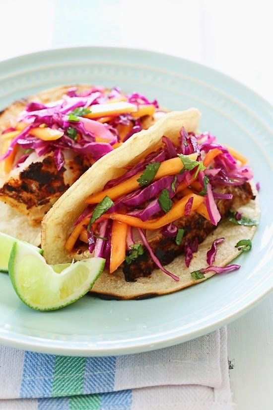 Blackened fish tacos with cabbage mango slaw skinnytaste for Cabbage slaw for fish tacos