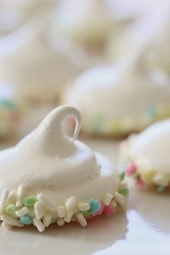 Melt-in-your-mouth meringues dipped in creamy white chocolate and sprinkles, is there anything sweeter?
