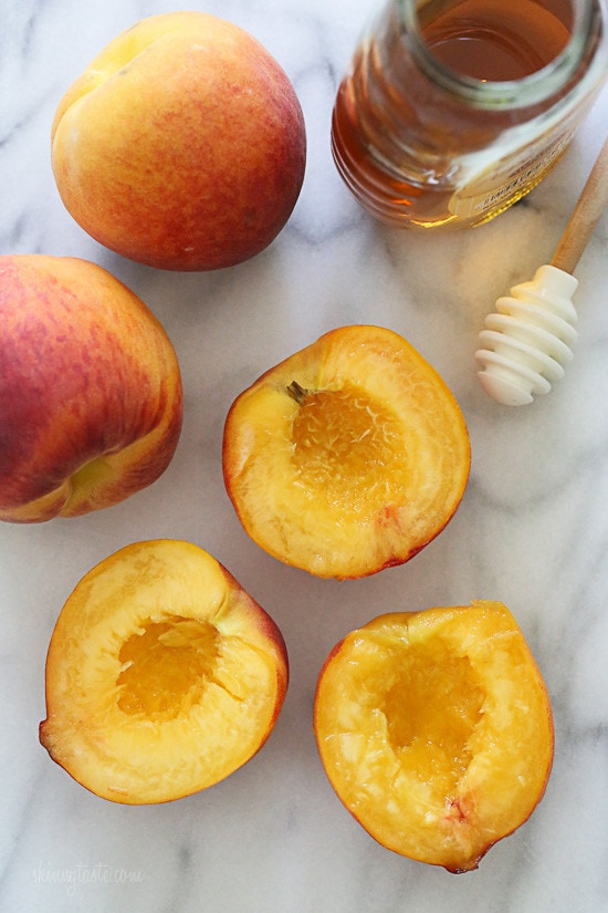 Grilled Peaches With Honey and Yogurt – an easy summer dessert for under 100 calories!