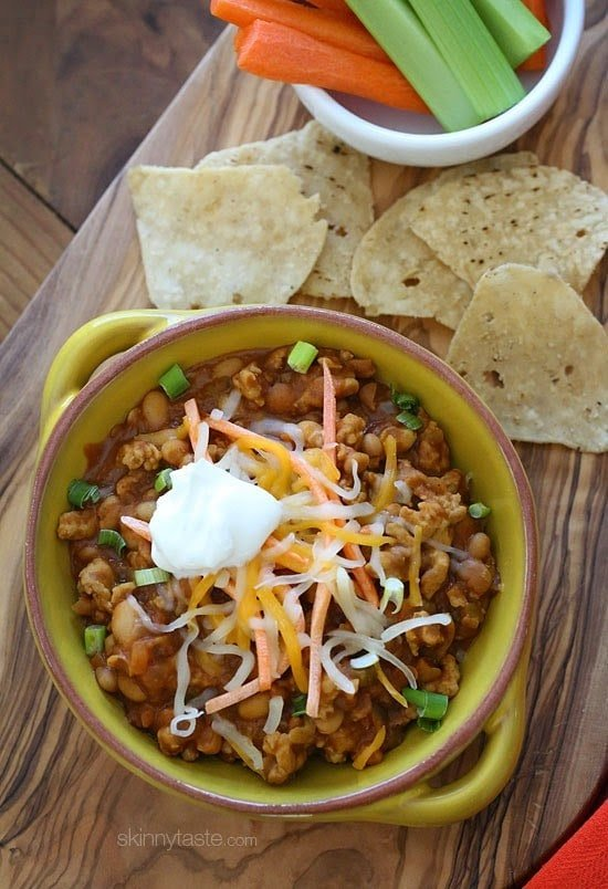 One Pot Cheesy Turkey Taco Chili Mac is pure comfort in a bowl and it ...