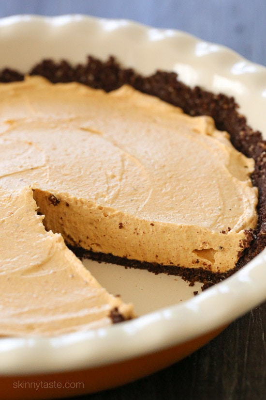 No Bake Pumpkin Cheesecake is an easy, light cheesecake made with pumpkin puree and spices. Under 10 minutes to make, if you use ready-made crust.