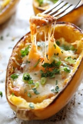 I had the idea to make these enchilada spaghetti squash boats with the extra sauce I had – best idea I had in a long time. They were so easy to make, with just a few ingredients. I made these meatless because quite frankly, they were filling and didn't need much but why not add ground beef or chicken. You can even throw in some beans or corn. Enjoy!