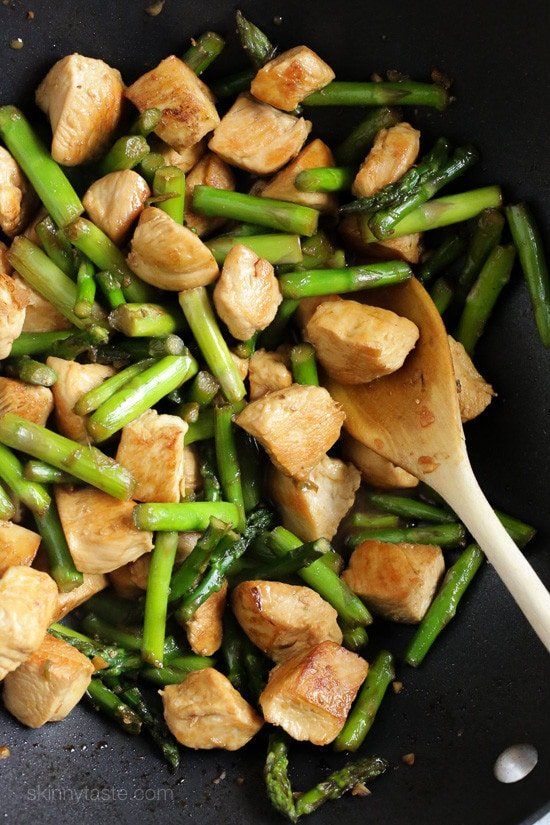 Chicken and Asparagus Teriyaki Stir-Fry – a quick and easy Spring stir-fry, perfect for weeknight cooking!