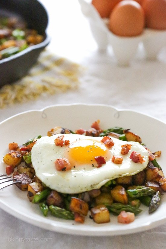 This Spring breakfast hash recipe is made with a combination of sauteed asparagus, diced Yukon gold potatoes, pancetta and shallots then topped with an egg.