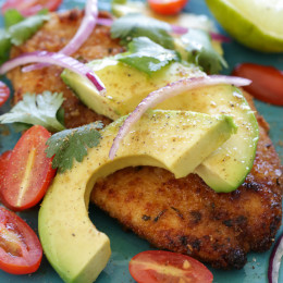Breaded chicken cutlets topped with everything I normally add to my guacamole – sliced avocado, tomatoes, cilantro, red onion and lime juice. 7 Smart Points • 286 calories