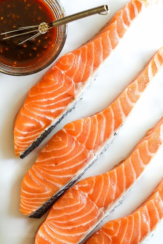 An easy, quick and healthy Korean inspired salmon recipe, perfect for weeknight cooking!